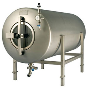 Pressure beer maturation tanks, non-insulated, horizontal orientation